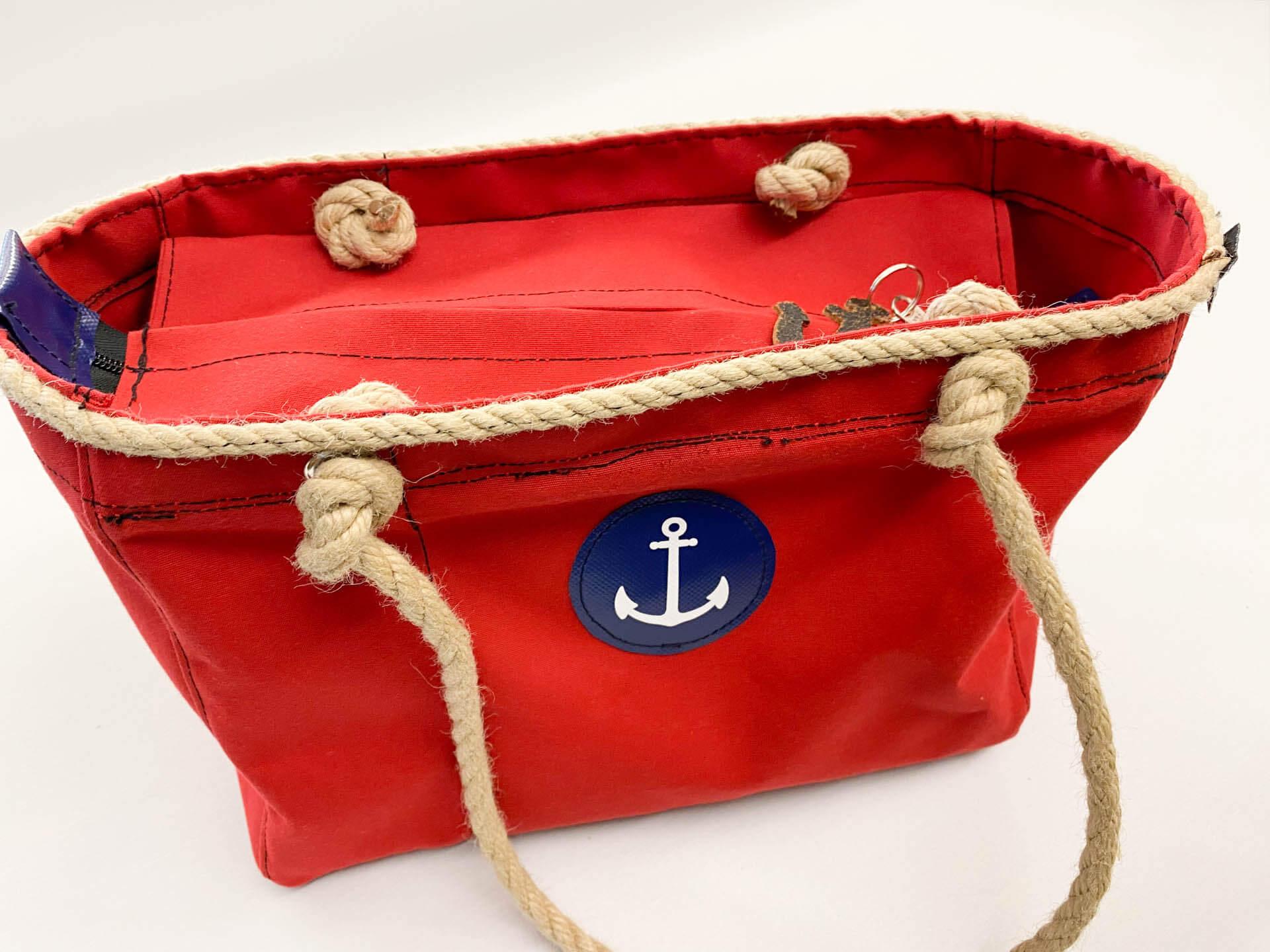 Maritime rote Umhängetasche für Damen mit Ankersymbol
