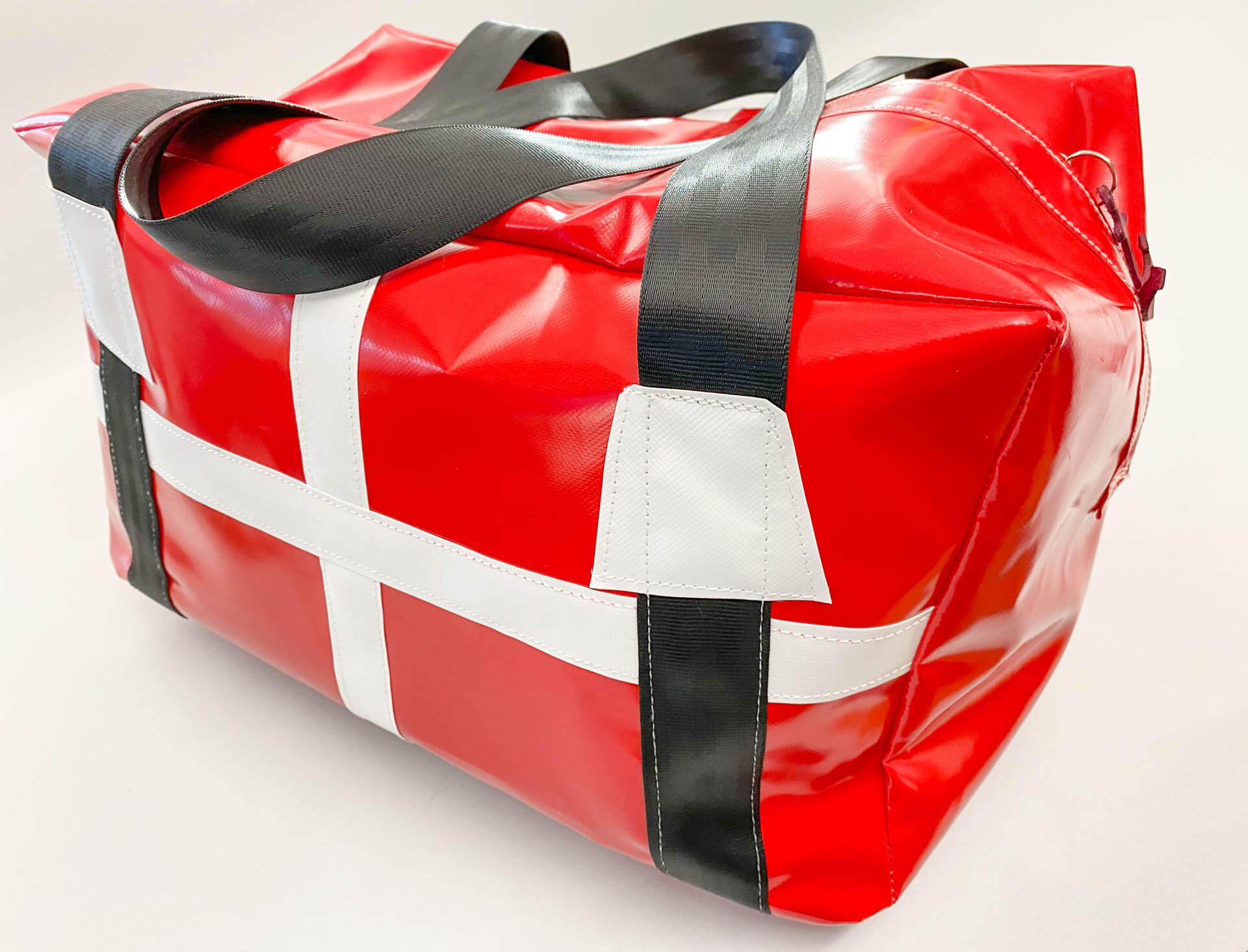 Solide rot-weiße Dannebrog-Tasche